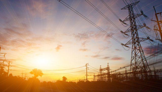 Fundamentos Técnicos y Económicos de la Regulación de Distribución y Comercialización de la Electricidad en el Perú