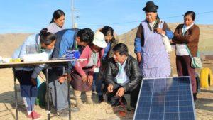Minem desarrolla con éxito programa de capacitación en energías limpias para mujeres de Loreto
