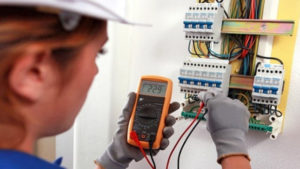 Minem promueve el cumplimiento y supervisión de las normas de seguridad en las instalaciones eléctricas