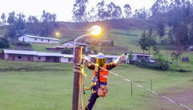 Minem: Hasta diciembre se desarrollarán 5 proyectos de electrificación rural en beneficio de 94 mil pobladores